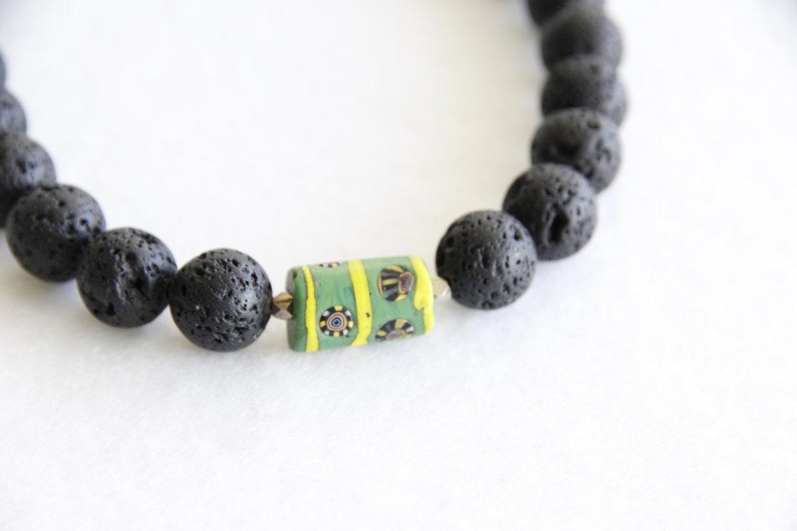Halskette mit grünen Glas